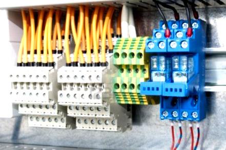 RAGHAV ELECTRICALS AND ENGINEERS SWITCHGEARS INDUSTRIAL in Kolkata